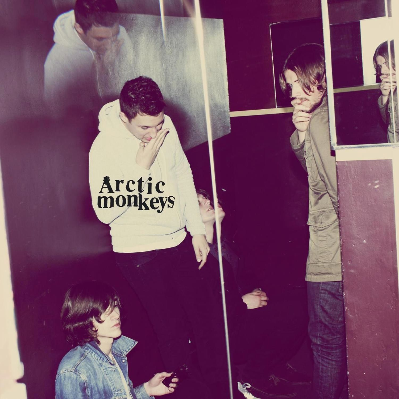 Arctic Monkeys - Humbug album cover